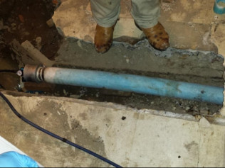 Air on the finished liner (this is what the new inside of the pipe looks like).